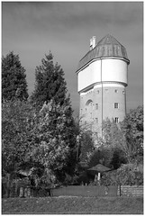 Eisenbahnsiedlung (LeonardoDaQuirm) Tags: rheinhausen duisburg duisburgrheinhausen eisenbahnsiedlung wasserturm tower