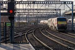 Accelerating into history (Nodding Pig) Tags: england station train yorkshire leeds railway westriding uk greatbritain electric locomotive gec 2019 lner brel class91 91127 201902111144101