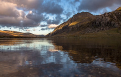 Mirror Idwal (music_man800) Tags: llyn idwal cwm lake water mirror reflections still clear tranquil wales snowdonia national park mountains hills outside outdoors nature natural light walk hike evening afternoon late blue sky golden hour autumn october 2019 chilly cold sunset duskl dusk scenery scene landscape rugged beautiful canon 700d adobe lightroom creative cloud edit photography arty artistic clouds purple contrast stunning