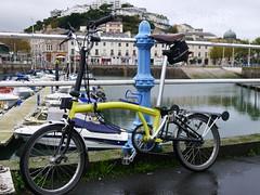 At Torquay Harbour (cycle.nut66) Tags: brompton bike bicycle cycle yellow m type 6 speed folder folding torquay devon panasonic lumix lx5 leica summicron cold rainy day out season