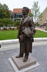 F. Scott Fitzgerald (Joe Shlabotnik) Tags: statue sculpture stpaul august2019 2019 bronze minnesota afsdxvrzoomnikkor18105mmf3556ged