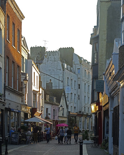 D20761.  Old Town, Hastings.