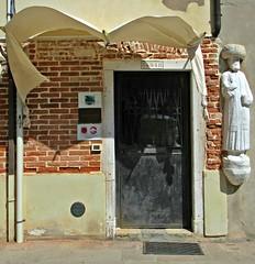 Vent mauvais sur Venise (Robert Saucier) Tags: venise venezia venice building architecture statue img9452
