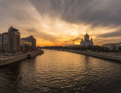 Moscow River (gubanov77) Tags: sunset city cityscape urban moscow russia prechistenskayaembankment sky skyline landscape moskvariver river bolshoykamennybridge houseontheembankment theaterestrady театрэстрады домнанабережной cathedral church goldenhour architecture building bersenevskayaembankment yakimanka khamovniki
