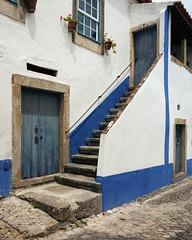 Houses of Óbidos (lebre.jaime) Tags: portugal óbidos architecture analogic mediumformat film120 kodak portra400 hasselblad 503cx carlzeiss distagon cf4050fle epson v600 affinity affinityphoto