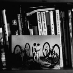 Libre et la Fin. (Tim.Broeren) Tags: fujifilm fuji xpro2 35mm picture bw blackwhite cycle