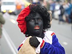 Zwarte Piet (Gerard Stolk ( vers le toussaint)) Tags: intocht denhaag thehague lahaye haag zwartepiet
