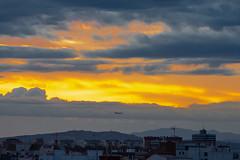 Nubes al atardecer 110 (dorieo21) Tags: plain avioón avion sunset sunlight exquisitesunsets skyscape sky cielo ciel tramonto himmel wolke wolken nube nuage nubes nuvola nuages nuvole nikon d7200 atardecer crépuscule crepúsculo valencia