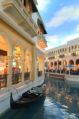 Las Vegas Strip - The Venetian (wyliepoon) Tags: las vegas strip boulevard paradise nevada hotel casino resort venetian venice grand canal shoppes shops shopping mall gondola