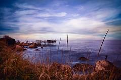 il pescatore di onde (swaily ◘ Claudio Parente) Tags: abruzzo turchino trabocco mare vento onde lungaesposizione swaily claudioparente d500 nikon sanvitochietino