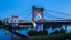 Langelais (françoispeyne) Tags: enfrance paysdeloire phbody langeais centrevaldeloire france pont rural médiéval loire rivière fleuve heurebleue simplysuperb