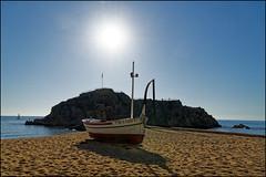 Boat And Sa Palomera   Blanes, Catalonia (Flemming J. Gade) Tags: sapalomera boat beach sea water sunshine sand sky rock blanes catalonia