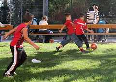 Promising New Football Generation (Wolfgang Bazer) Tags: vielversprechender fusballnachwuchs promising new football generation fusball soccer boys buben keplerplatz favoriten wien vienna österreich austria