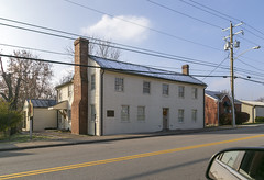 Samuel Briggs House — Stanford, Kentucky (Pythaglio) Tags: house dwelling residence historic twostory log woodsiding clapboard fivebay asymmetry exteriorchimneys rakeboards cables wires street sidewalk 88windows stanford kentucky lincolncounty 1780s nrhp nationalregister 75000794 samuelbriggs