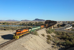 3998 + 4002 + 4001 + 3999, Parker AZ, 6 Nov 2019 (Mr Joseph Bloggs) Tags: arizona california railroad colorado river parker gw genesee wyoming train treno bahn railway zug vlak emd electro motive division sd402sd40 3998 3999 4001 4002 bridge azcr freight cargo merci cadiz usa united states america