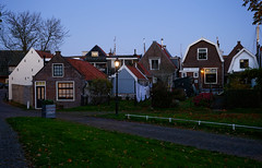 Evening in Monnickendam (Julysha) Tags: monnickendam town 2019 thenetherlands noordholland evening houses autumn z6 november dxo dusk nikkorz24704s iso3200