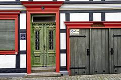 Haustür (.rog3r1) Tags: wernigerode haustür door leicaq 28mm street