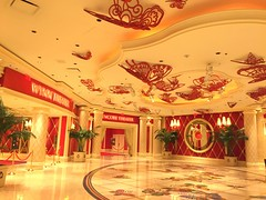 Las Vegas Strip - Wynn (wyliepoon) Tags: las vegas strip paradise nevada boulevard hotel casino resort wynn encore