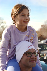 A smile from atop shoulders (radargeek) Tags: claremore ok oklahoma kid child kids children shoulderride 2019 november