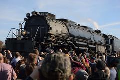 The Big Boy and its fans (radargeek) Tags: claremore ok oklahoma unionpacific train bigboy no4014 engine steam locomotive cellphone 2019 november
