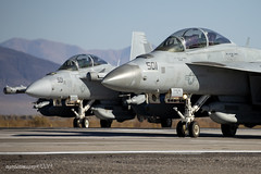 Seeing Double (Ross Forsyth - tigerfastimagery) Tags: vaq133 vaq136 nasfallon navalairstationfallon fallon nas nevada growler ea18ggrowler electronicwarfare electronicattacksquadron wizards gauntlets 501 fighter unitedstatesnavy navy flynavy topgun usa