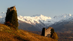 En ruines (Fab. A) Tags: ruines sunset coucherdesoleil montagnes snow neige