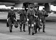 '50 Squadron Return' (Andrew@OxfordPart2) Tags: raf royal air force wellesbourne xm655 avro vulcan maintenance preservation society aircrew reenactors reenactment timeline events natural light