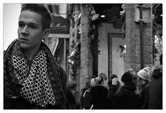 DSCF5384 (srethore) Tags: photo de rue street bw candid people meike 35mm