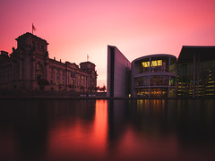 Red Berlin (p.niebergall) Tags: dusk sonnenuntergang berlin reichstag langzeitbelichtung longtime exposure water wasser spree