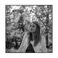 anne 5 • dijon, burgundy • 2019 (lem's) Tags: anne woman femme model park parc arquebuse dijon bourgogne burgundy zenza bronica