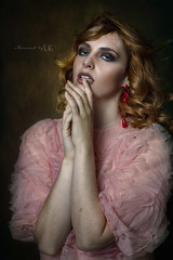 Sara B. (Moments by Xag) Tags: model modelo moda mujer mirada sexy sensual sensuality interior indoor strobist studio d850 darkness fashion female femenina face flash woman glamour girl glance goddess nikon xag xagstyle momentsbyxag