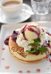 blueberry pancake with icecream (snowshoe hare*) Tags: dsc5032 cafe pancake blueberry chervil cerfeuil