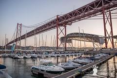 La marina sollo al Ponte 25 aprile, Lisbona, Portogallo (Pianeta Gaia Viaggi) Tags: portogallo portugal lisbona lisboa