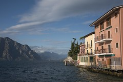 Vue sur lac *---- °-° (Titole) Tags: lake houses alps titole nicolefaton italie malcesine lakegarda friendlychallenges