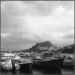 Castelsardo_Rolleiflex 3.5B (ksadjina) Tags: sardegna 6x6 film analog blackwhite scan rodinal castelsardo silverfast rolleiflex35b nikonsupercoolscan9000ed italia kodak100tmax