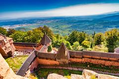 Haut-Koenigsbourg/Alsace 2018 (karlheinz klingbeil) Tags: stone castle schloss hautkoenigsbourg frankreich burg alsace horizon mauer france wall horizont chateau stein