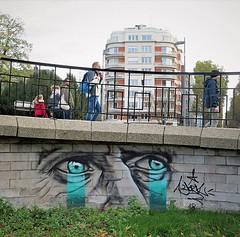 Looking for a sunday walk... / #streetart by #York #Iksté. . #Lille #streetartlille #lillestreetart #urbanart #graffitiart #streetartfrance #urbanart_daily #muralart #graffitiart_daily #streetarteverywhere #streetart_daily #ilovestreetart #igersstreetart (Ferdinand 'Ferre' Feys) Tags: instagram france streetart artdelarue graffitiart graffiti graff urbanart urbanarte arteurbano ferdinandfeys lille rijsel