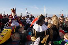 DSC05191 (ZANDVOORTfoto.nl) Tags: intocht sinterklaas zwarte piet 2019 zandvoort aan zee raceauto formule1 sint goedheiligman strand zandvoortfoto zandvoortphoto zandvoortfotonl netherlands nederland traditie kust beach beachlife 5 december kinderfeest