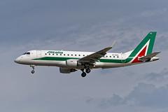 E175_Alitalia_EI_RDG_JDC_2466_small (Jan van der Heul) Tags: embraer e175 fra frankfurt eddf