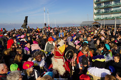 DSC05158 (ZANDVOORTfoto.nl) Tags: intocht sinterklaas zwarte piet 2019 zandvoort aan zee raceauto formule1 sint goedheiligman strand zandvoortfoto zandvoortphoto zandvoortfotonl netherlands nederland traditie kust beach beachlife 5 december kinderfeest