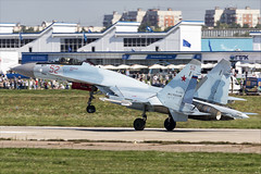 Sukhoi Su-35S - 16 (NickJ 1972) Tags: maks zhukovsky airshow 2019 aviation sukhoi su35 su27 flanker rf81719 52 red
