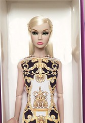 Call me GIGI (duckhoa_le) Tags: nuface fashionroyalty photography wclub exclusive lab style convention groovy blonde trendy chic hadid gigi versace dolls doll barbie toy toys integrity parker poppy