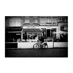 frietkoten 19 (japanese forms) Tags: ©japaneseforms2019 велосипеды ボケ ボケ味 日本フォーム 自転車 黒と白 bw baidhsagalan bicicleta bicicletta bicycles bike blackwhite blancoynegro bokeh candid chippie chips cycle cyklar fahrräder fiets fietsen frenchfries frieten frietjes frietkoten fritérie frites fritkot frituur getallen monochrome numbers random schwarzweis strasenfotografie straatfotografie streetphotography vlaanderen zahlen zwartwit