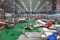 Ven a jugar con nosotros, dijeron - Y fuimos a la Exposición LEGO en el Muelle 1 - Málaga (Micheo) Tags: spain exposiciónlegoenelmuelle1 málaga españa juegos toys juguetes lego construcciones piezas mundodefantasía colores
