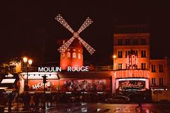 Moulin Rouge (FBN Raiger) Tags: boulevarddeclichy moulinrouge france frankreich paris street streetphotography montmartre sonyalpha tamronsp2470mmf28divc sonya7rm2 sonyilce7rm2 strassenszene strasenszene strasenfotografie rotlicht redlightdistrict rot red rouge a7rii