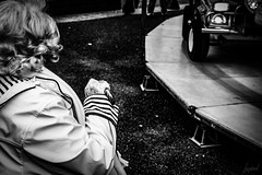 L'espace d'une vie. (LACPIXEL) Tags: vie life vida espace espacio space femme mujer woman old vieille âgée assise sentada seated sittingdown canne stick walkingstick bastón cayado manège carrusel carousel merrygoround carrousel rue street calle dieppe noiretblanc blancoynegro blackwhite flickr lacpixel