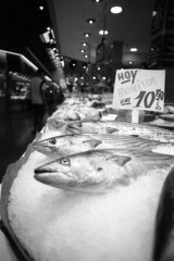 The Market - Barcelona - October 2019 (cava961) Tags: market barcelona analogue analogico monochrome monocromo bianconero bw canon foma400