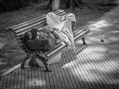 Buenos Aires - am Rande der Gesellschaft, homeless in Buenos Aires (fritz polesny) Tags: buenos aires argentinien panasonicg9 1260mm blackwhite schwarzweiss obdachlos homeless