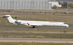 EC-MNR (Lucas31 Transport Photography) Tags: madrid aviation planes aircraft airport barajas iberia bombardier crj