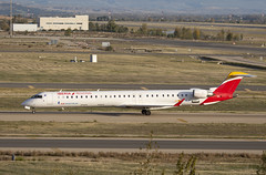 EC-MJP (Lucas31 Transport Photography) Tags: madrid aviation planes aircraft airport barajas iberia bombardier crj